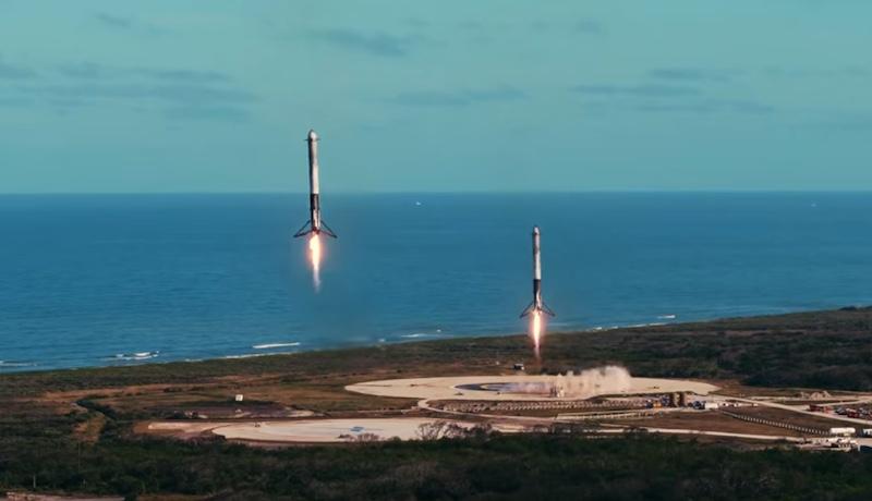 Atterrisage des deux boosters de la Falcon Heavy SpaceX