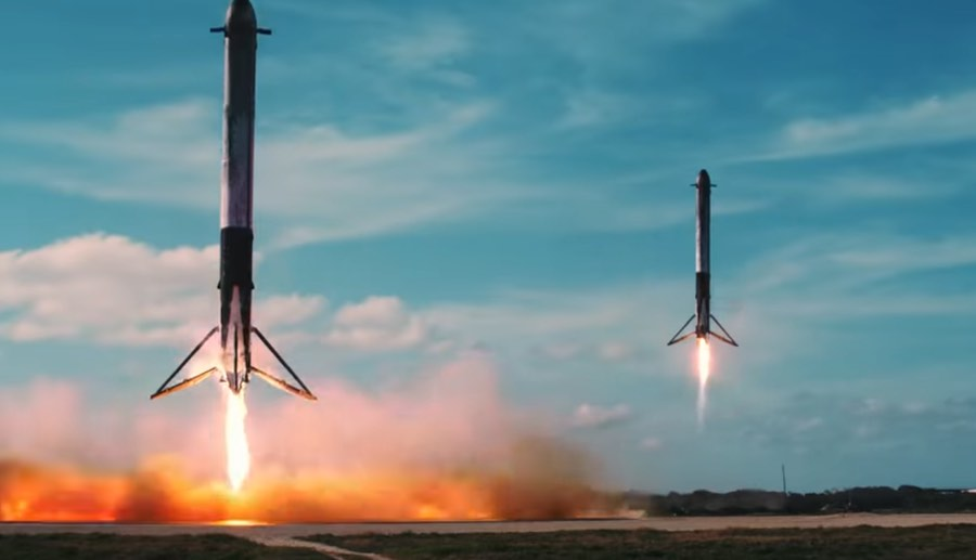 Atterrissage des boosters falcon heavy en simultané